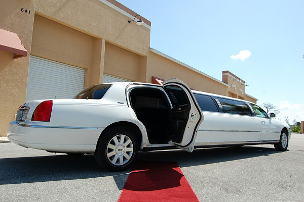 lincoln stretch limo Greensboro